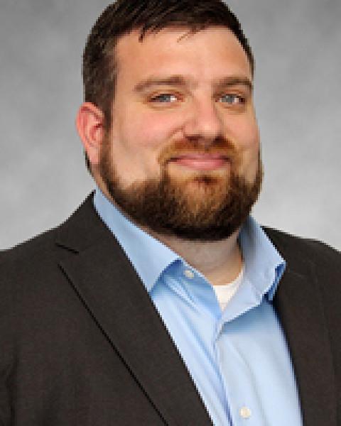 Matt Simon Headshot